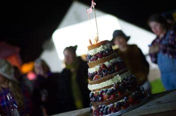 Verity's most beautiful cake making skills!